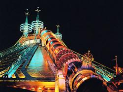 320x240-hd08380-space-mountain-2050.jpg
